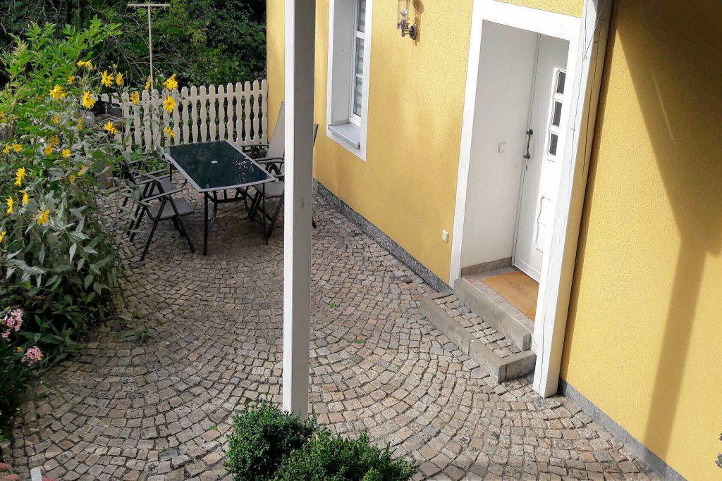 """Ferienwohnung """"Altstadt"""" - Terrasse im Sommer"""