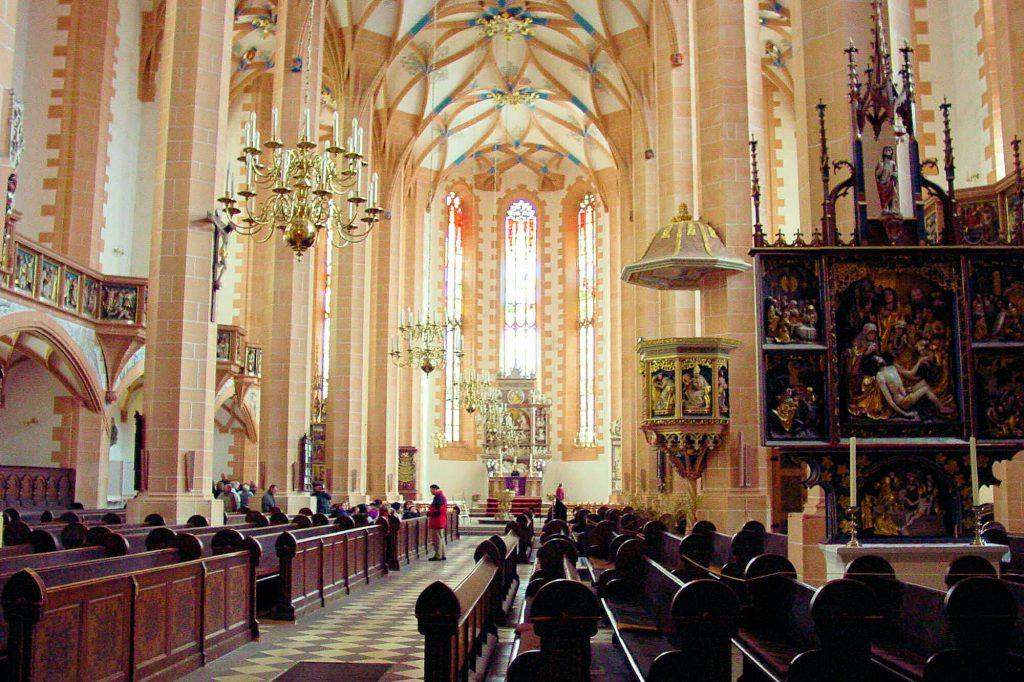 St. Annenkirche in Annaberg-Buchholz Kanzel im Hauptschiff