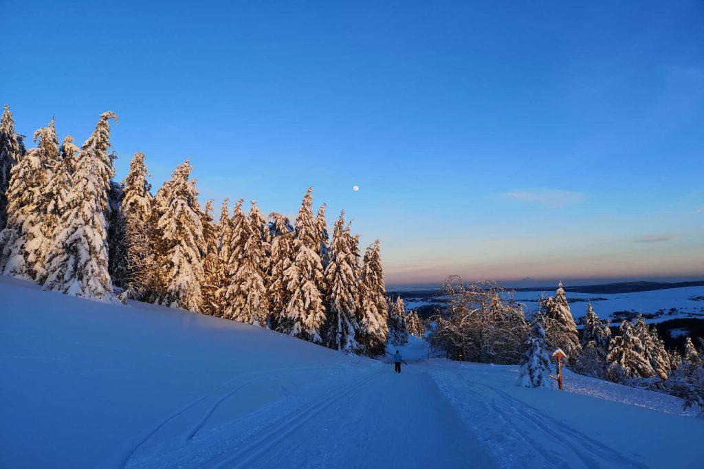 Impressionen Winter blaue Romantik mit Mond
