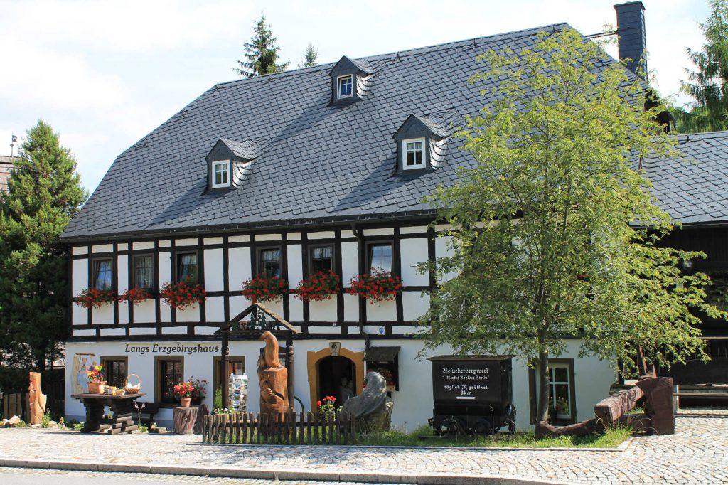 """Impressionen Volkskunst in """"Langs Erzgebirgshaus"""""""