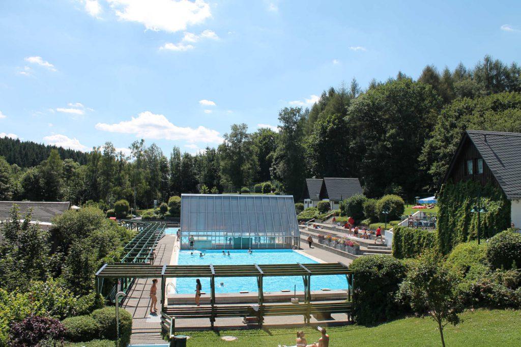 Impressionen beheiztes Freibad im Stadtteil Buchholz