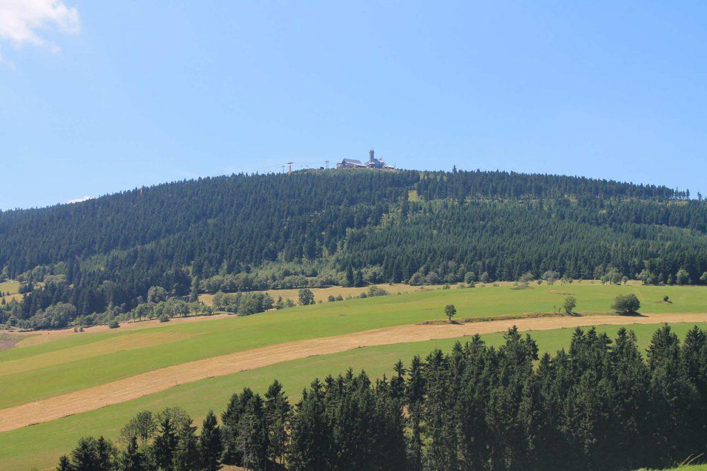 Impressionen Sommer Blick zum Fichtelberg